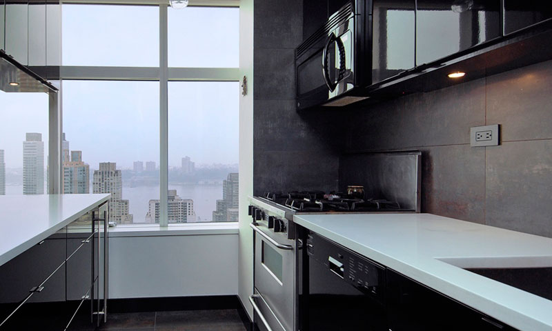 3-Lincoln-Center-Kitchen