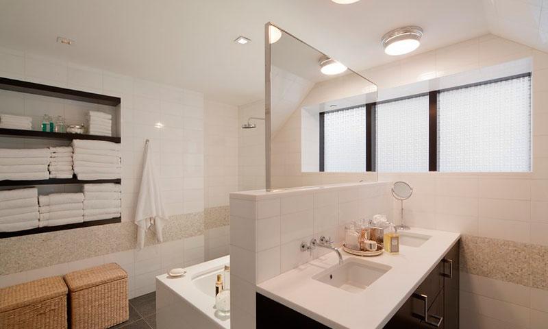 441_east_57th_street_Bathroom