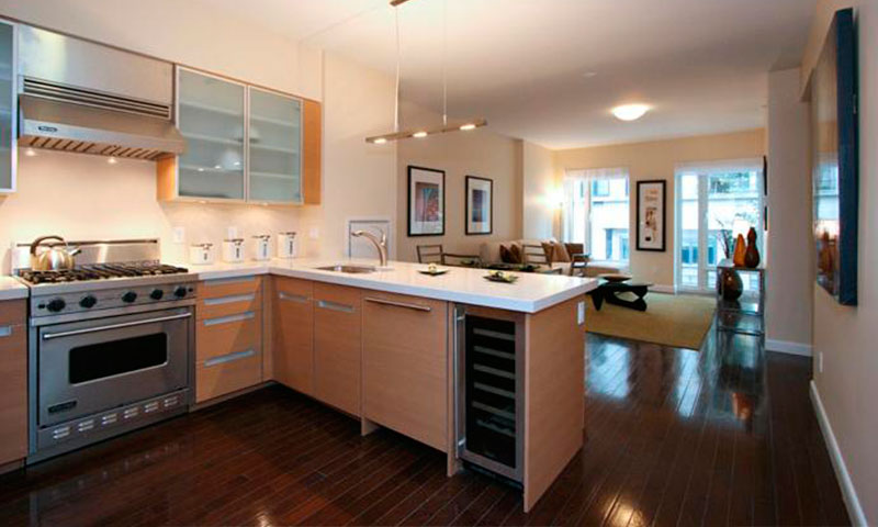 Isis_303_east_77th_street_condo_kitchen-