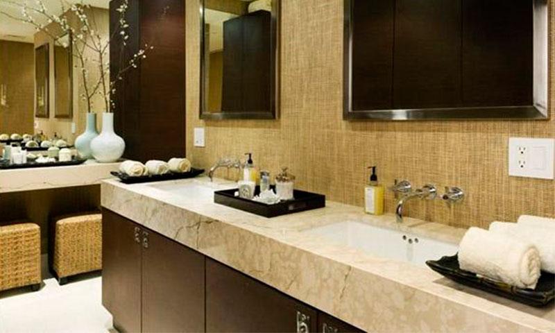 The_Legacy-Bathroom