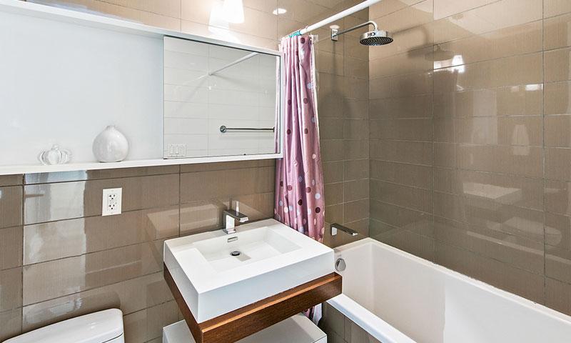 52-East-4th-St-bathroom