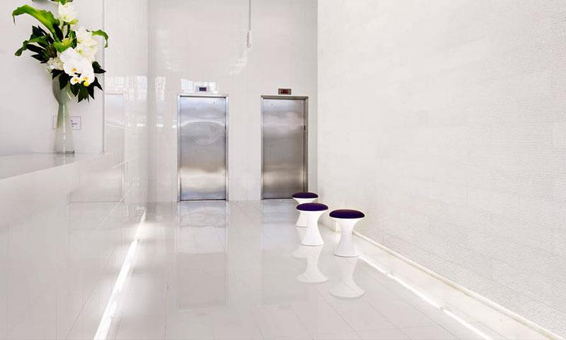 Toren--Elevator