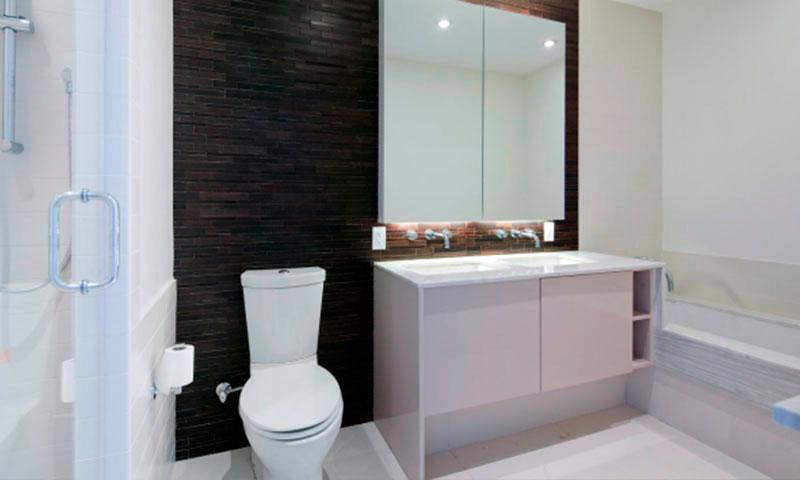 Two-NorthSide-Piers-Bathroom